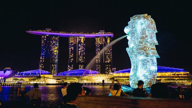 Singapore iLights Sustainable Festival At night On Marina Bay
