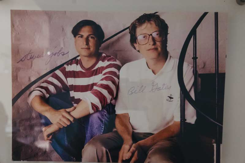 Vintage Photo Of Young Steve Jobs And Bill Gates Sitting on Staircase