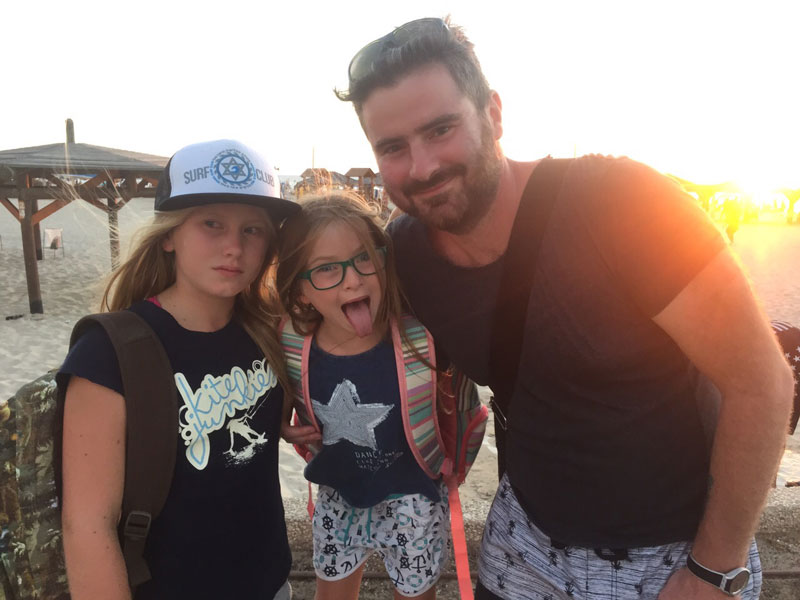 Mikhail Pimenov With 2 His 2 Daughters On Beach In Israel